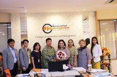 祝贺学生在管理创新计划中获得管理硕士学位